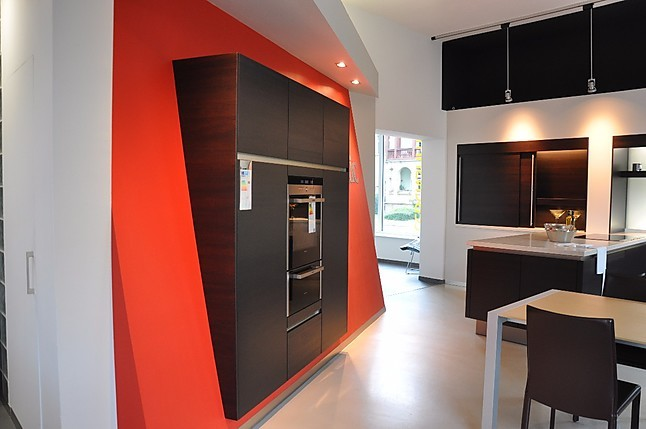 siematic musterk che moderne k che mit echtholzoberfl che mit traumhaften arbeitsplatten in. Black Bedroom Furniture Sets. Home Design Ideas