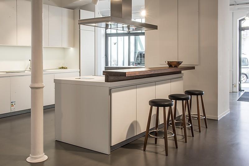 bulthaup musterk che inklusive massivholz barplatte ohne ger te und zubeh r ausstellungsk che. Black Bedroom Furniture Sets. Home Design Ideas