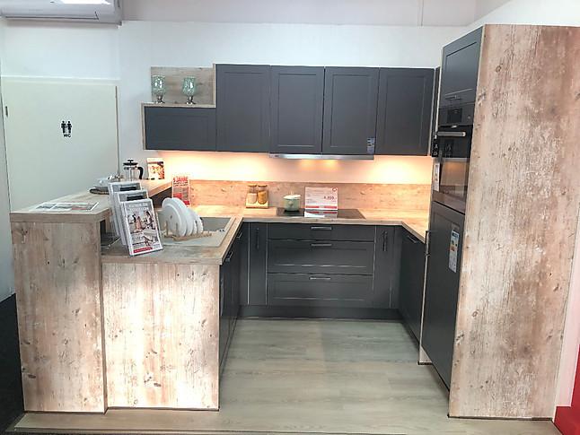 KüchenTreff-Musterküche U-Küche mit Theke: Ausstellungsküche in ...
