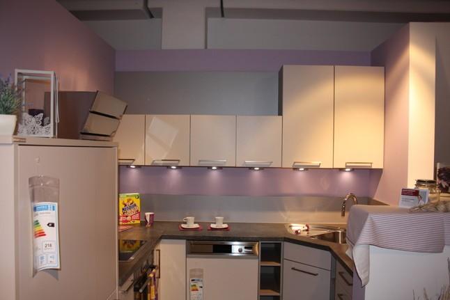 Nolte-Musterküche Moderne U- Küche mit Eckspüle ...