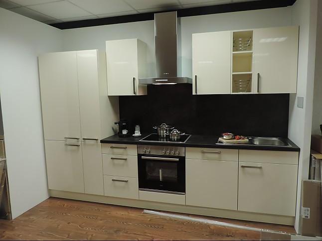 burger musterk che hochglanz lack magnolie ausstellungsk che in andernach von r der k chen. Black Bedroom Furniture Sets. Home Design Ideas