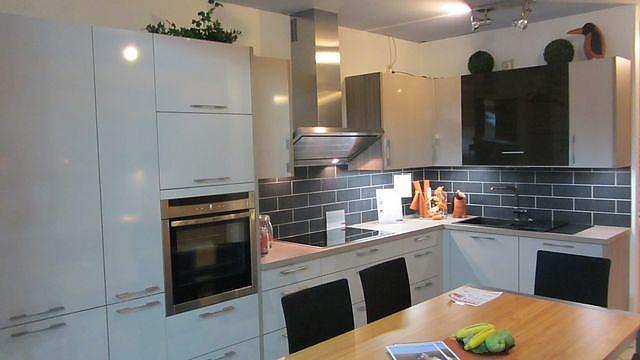 Küchen Nahe Lemgo Bad Salzuflen Und Bad Oeynhausen Möbelhaus
