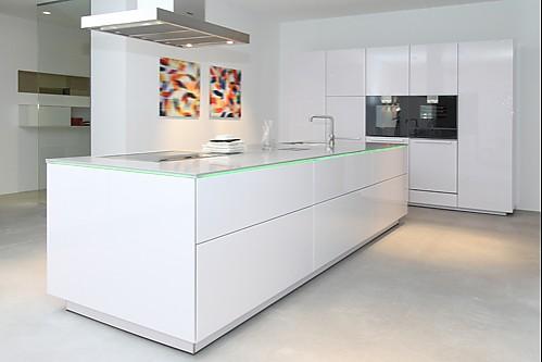 designer k chen ausstellungsst cke doppelwaschbecken stein. Black Bedroom Furniture Sets. Home Design Ideas