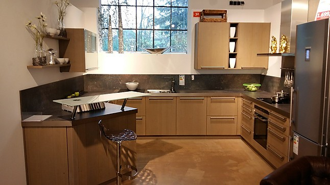 h cker musterk che h cker systemat av6021 eiche platin s gerau ausstellungsk che in bergisch. Black Bedroom Furniture Sets. Home Design Ideas