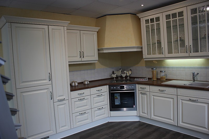 nobilia musterk che romantische landhausk che in vanille. Black Bedroom Furniture Sets. Home Design Ideas