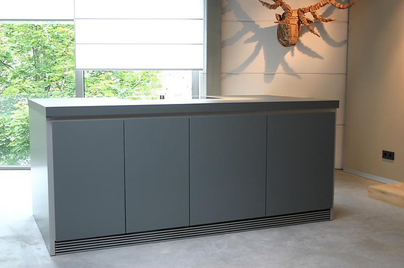 bulthaup musterk che kochinsel ausstellungsk che in aschaffenburg von wohnhaus aschaffenburg. Black Bedroom Furniture Sets. Home Design Ideas