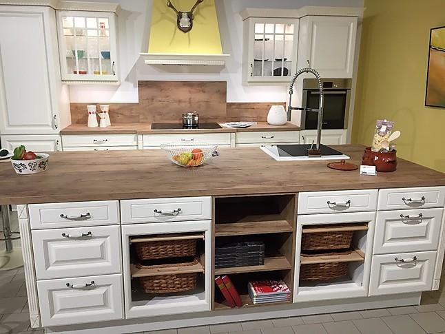 nobilia musterk che romantische k che im landhausstil inkl ger te ausstellungsk che in. Black Bedroom Furniture Sets. Home Design Ideas
