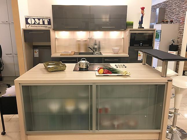 Omt Küchen wellmann musterküche küchenzeile mit kochinsel ausstellungsküche in