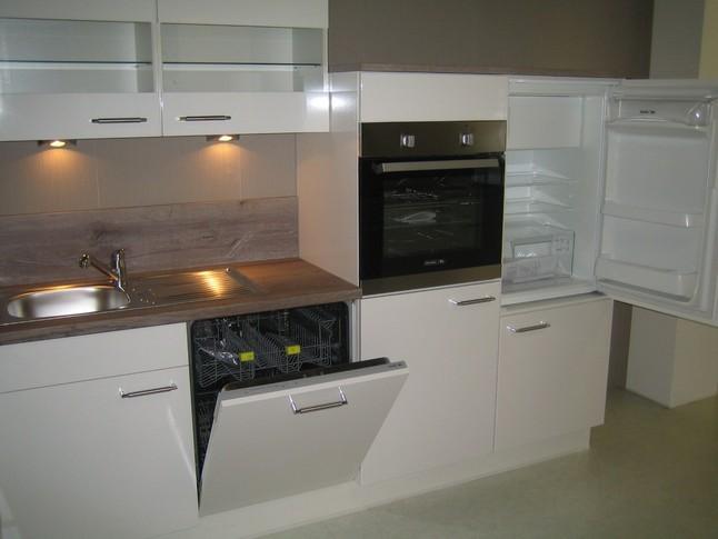 nobilia musterk che hochglanz lack laminat wei ausstellungsk che in von. Black Bedroom Furniture Sets. Home Design Ideas