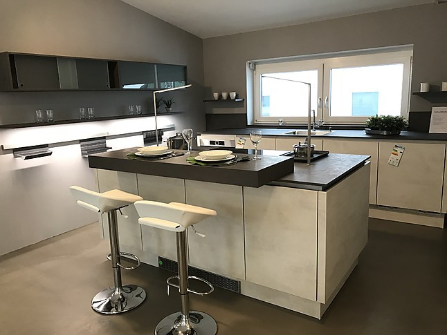 Selektion D Riva Moderne Grifflose Küche Mit Insel Und Theke