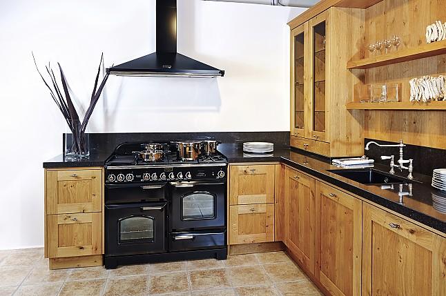 nieburg musterk che romantische landhausk che in u form. Black Bedroom Furniture Sets. Home Design Ideas