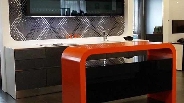 sonstige musterk che xsyro mineral 111 orange ausstellungsk che in m nchen von dross schaffer. Black Bedroom Furniture Sets. Home Design Ideas