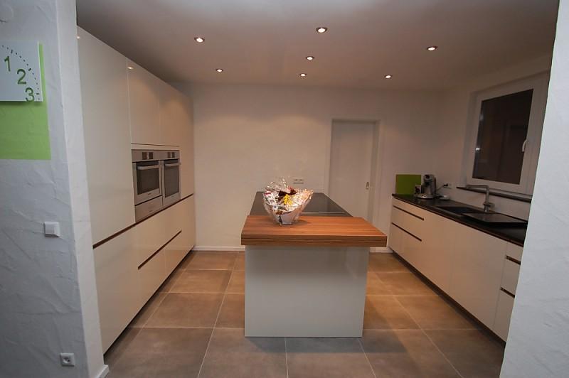 versenkbare abzugshaube bosch einbauger te elica adagio granit arbeitsplatte k che von. Black Bedroom Furniture Sets. Home Design Ideas