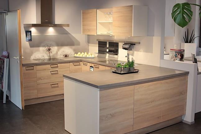 inpura musterk che inpura eiche natur s gerau magnolie ausstellungsk che in ettlingen von. Black Bedroom Furniture Sets. Home Design Ideas