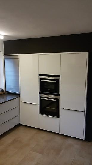 moderne glasfronten. Black Bedroom Furniture Sets. Home Design Ideas
