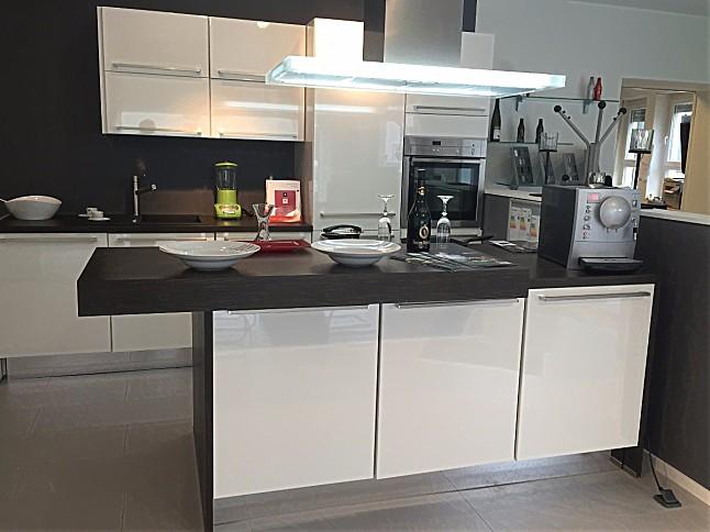 nobilia musterk che verkauft lux insel k che ausstellungsk che in neustadt von. Black Bedroom Furniture Sets. Home Design Ideas