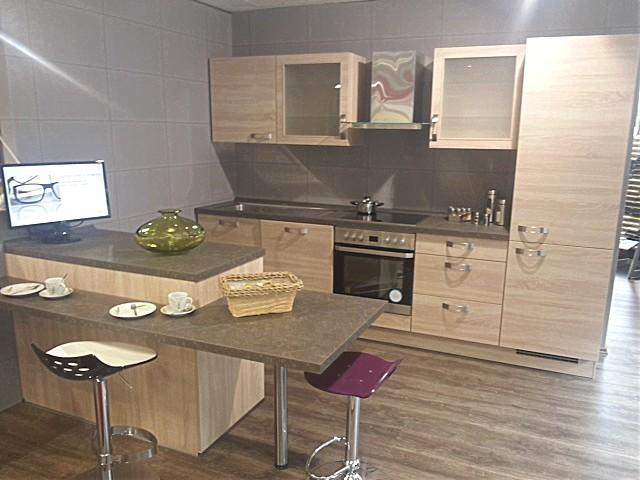 Moderne Kuche Mit Kleiner Insel ~ Home Design Und Möbel Ideen