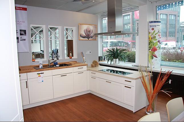 Cremefarbene kuche for Einbaukuche streichen