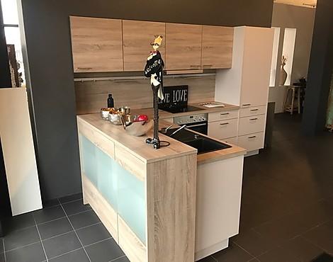 musterk chen neueste ausstellungsk chen und musterk chen seite 71. Black Bedroom Furniture Sets. Home Design Ideas