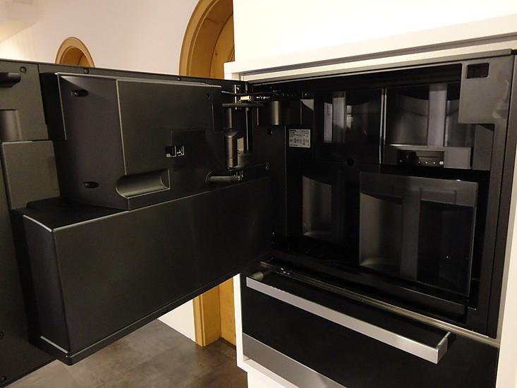 kaffeevollautomaten cva 5060 kaffeeautomat miele k chenger t von m bel keser in olching. Black Bedroom Furniture Sets. Home Design Ideas