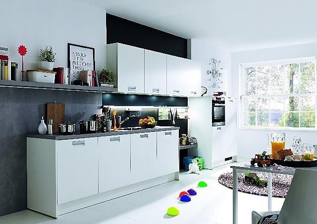 h cker musterk che classic in wei ausstellungsk che in von. Black Bedroom Furniture Sets. Home Design Ideas