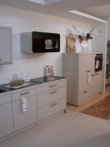 nolte musterk che moderne k chenzeile ausstellungsk che in mammendorf von keser home company. Black Bedroom Furniture Sets. Home Design Ideas