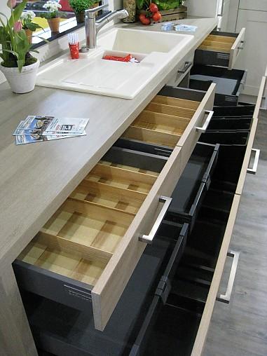 Küche Arbeitsplattenhöhe Standard ~ schmidt küchen musterküche gemütliche moderne küche, arbeitsplattenhöhe 97cm ausstellungsküche