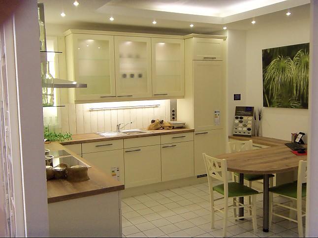 nobilia musterk che nobilia alba vanille ausstellungsk che in bad schwartau von k chentreff. Black Bedroom Furniture Sets. Home Design Ideas