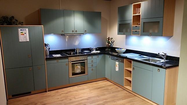 Schüller-Musterküche Moderne Landhausküche, Strukturlack Blaugrau