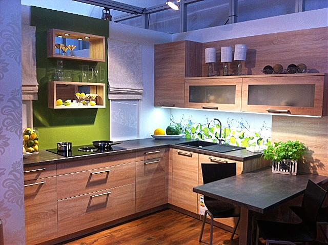 sonstige musterk che eiche natur s gerau kiwi limetten ausstellungsk che in peiting von. Black Bedroom Furniture Sets. Home Design Ideas