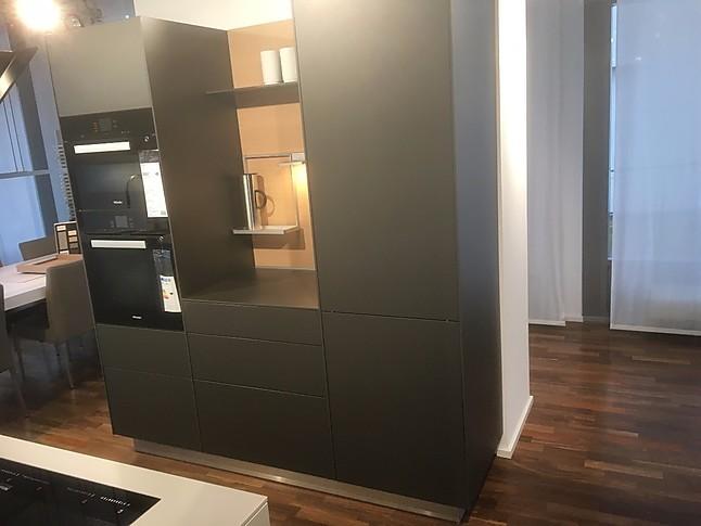bulthaup musterk che b3 ausstellungsk che griffloss in kiesel ausstellungsk che in b blingen. Black Bedroom Furniture Sets. Home Design Ideas