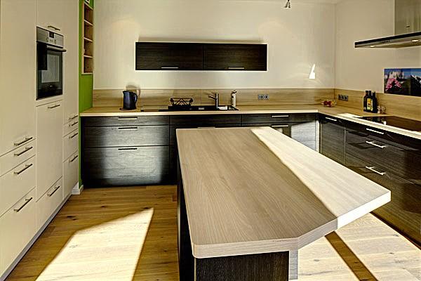 wohnk che mit sitzplatz k che von wohnk che mit sitzplatz aus l beck. Black Bedroom Furniture Sets. Home Design Ideas