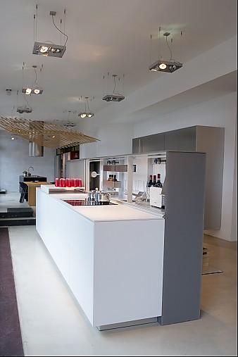 valcucine musterk che moderne funktionale k chenzeile ausstellungsk che in frankfurt von. Black Bedroom Furniture Sets. Home Design Ideas