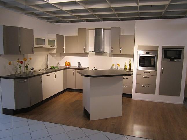 Nobilia musterkuche moderne l kuche mit mittelblock for Küche mittelblock