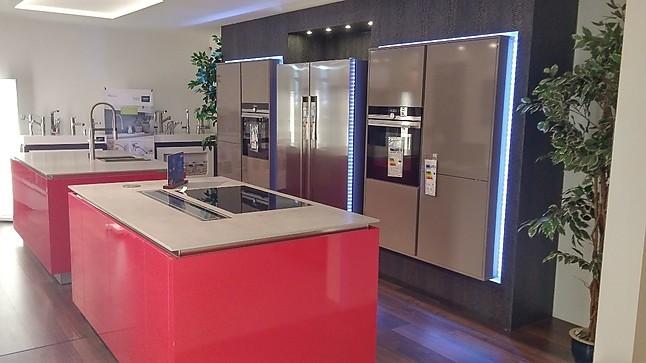 Perfekt Häcker   Häcker Moderne Küche Mit Eingebauten Hochschränken Und 2 Inseln