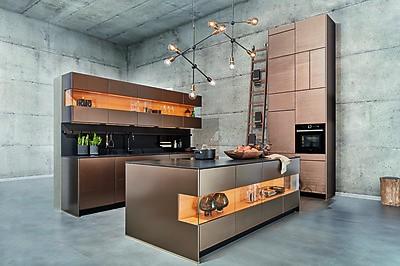 WOhnlichkeit in der Luxusküche von zeyko mit Longboard aus Kirschbaumholz