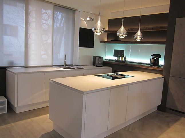 selektion d musterk che mattlack k che wei selektion d1 ausstellungsk che in rosenheim von. Black Bedroom Furniture Sets. Home Design Ideas