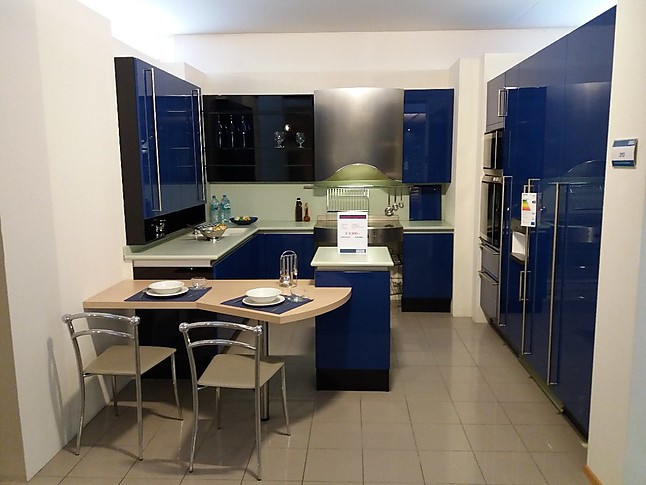 poggenpohl musterk che ausstellungsk che. Black Bedroom Furniture Sets. Home Design Ideas
