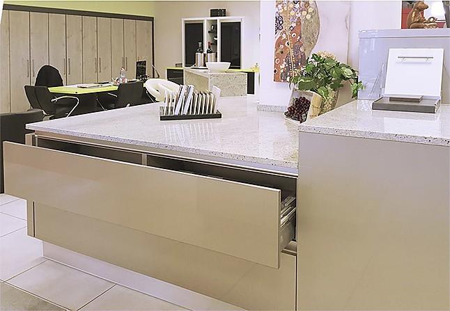 sachsenk chen musterk che design k che ausstellungsk che. Black Bedroom Furniture Sets. Home Design Ideas