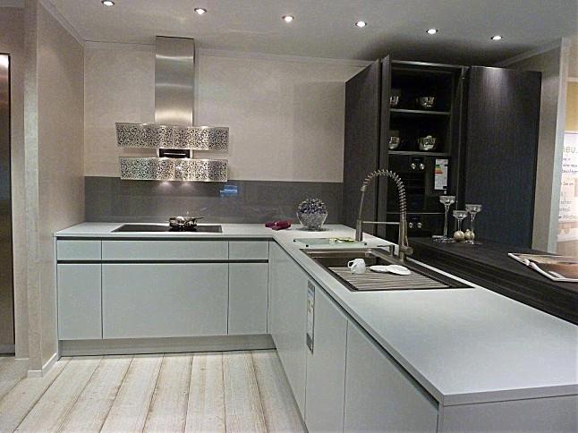 Moderne küchen mit halbinsel  Küchen Halbinsel Form ~ Kreative Bilder für zu Hause Design ...