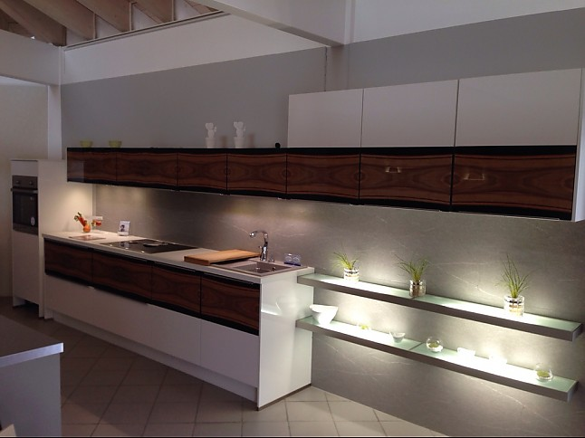 nobilia musterk che mit glasfront ausstellungsk che in halle von k chentreff halle. Black Bedroom Furniture Sets. Home Design Ideas