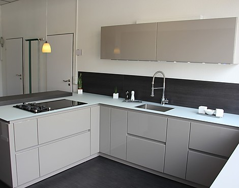 musterk chen k chen concept in schw bisch gm nd. Black Bedroom Furniture Sets. Home Design Ideas