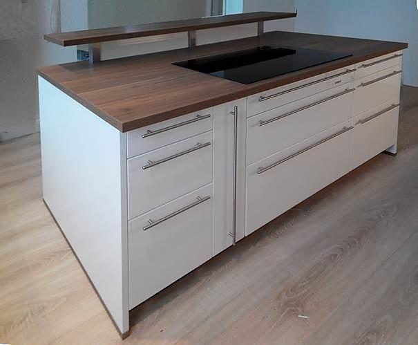 bauformat musterk che k chentraum in wei hochglanz lack. Black Bedroom Furniture Sets. Home Design Ideas