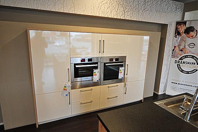 Häcker-Musterküche Häcker Insel - Küche Granit Nero Assoluto ... | {Häcker küchen griffe 89}