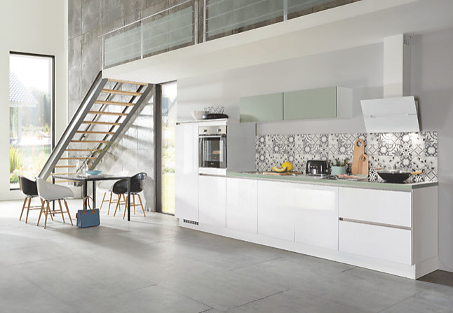 nobilia musterk che k chenzeile grifflos inkl ger te lieferung und montage ausstellungsk che. Black Bedroom Furniture Sets. Home Design Ideas