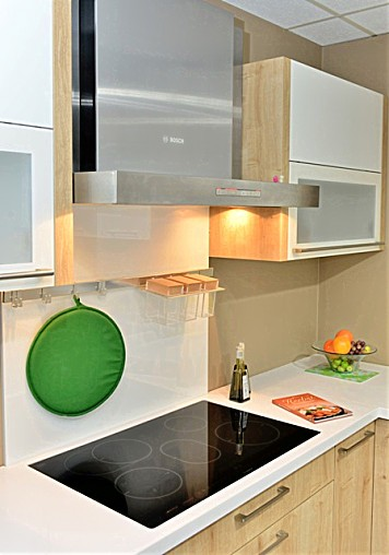 h cker musterk che h cker modell neo mit bosch. Black Bedroom Furniture Sets. Home Design Ideas