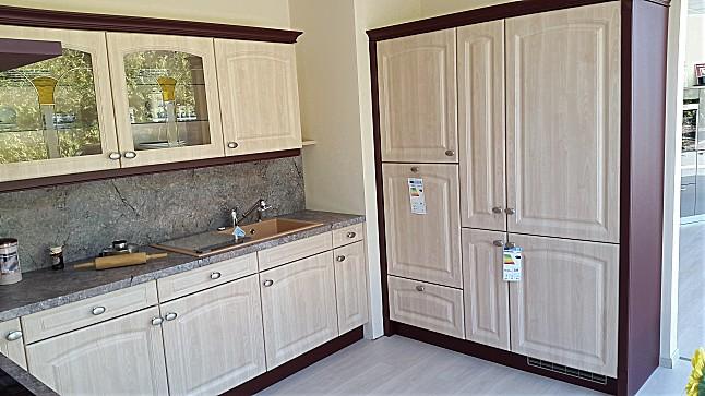 sch ller musterk che klassische landhausk che ahorn hell. Black Bedroom Furniture Sets. Home Design Ideas