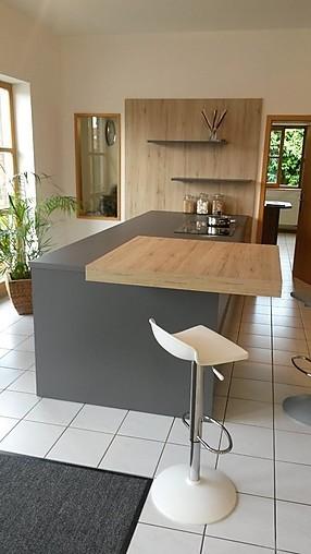 h cker musterk che top ausstellungsk che modern viel stauraum inkl miele und bora classic. Black Bedroom Furniture Sets. Home Design Ideas