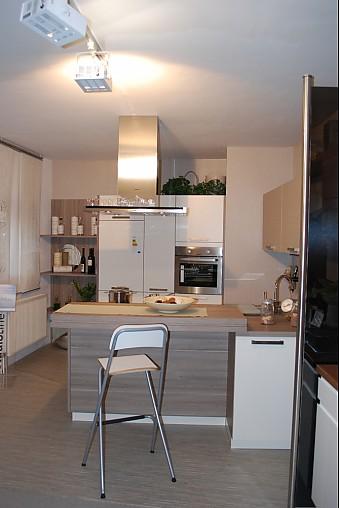 bauformat musterk che aus ausstellungsk chen abverkauf ausstellungsk che in von. Black Bedroom Furniture Sets. Home Design Ideas