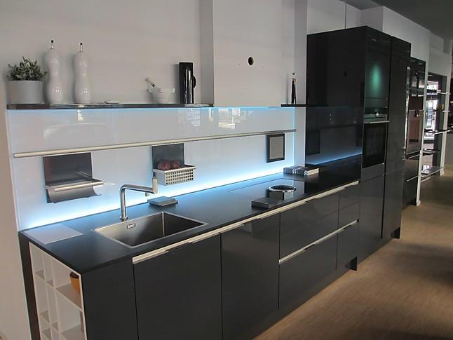 siematic musterk che moderne grifflose k che in graphitgrau inkl hochwertiger ger te. Black Bedroom Furniture Sets. Home Design Ideas